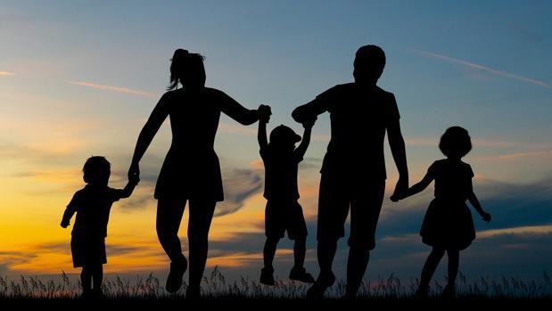 Mensaje Canalizado del Arcángel Raguel: LA FAMILIA, FUENTE DE AMOR Y DE CRECIMIENTO